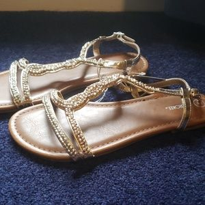 Cherokee Shoes - Gold sandals